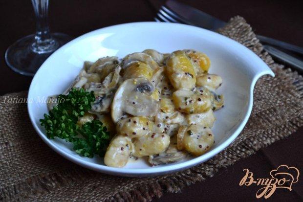 Ньокки с шампиньонами в сливочно-горчичном соусе