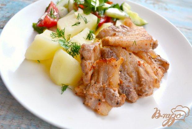 Свиная грудинка острая, жареная на сковороде