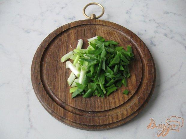 Закуска из сельдерея с зелёным луком.