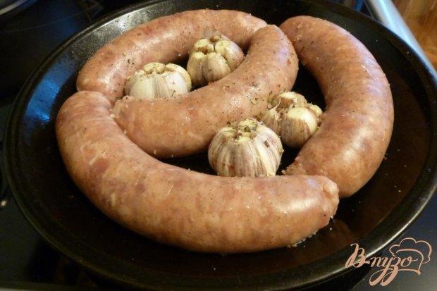 Домашние колбаски с чесночным паштетом