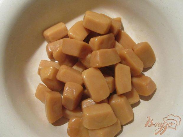 Сладкая колбаска из кукурузных палочек