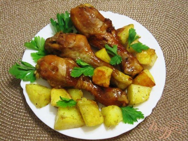 Запеченные куриные ножки с картофелем