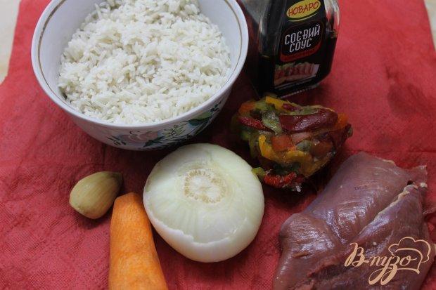 Рис с курицей и соевым соусом