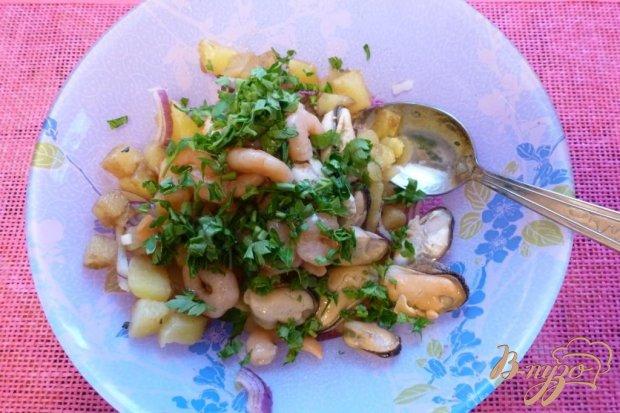 Салат с картофелем и морепродуктами