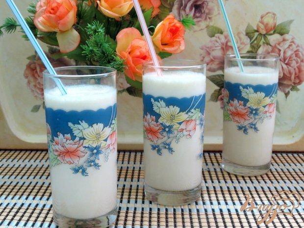 Молочный коктейль с персиками