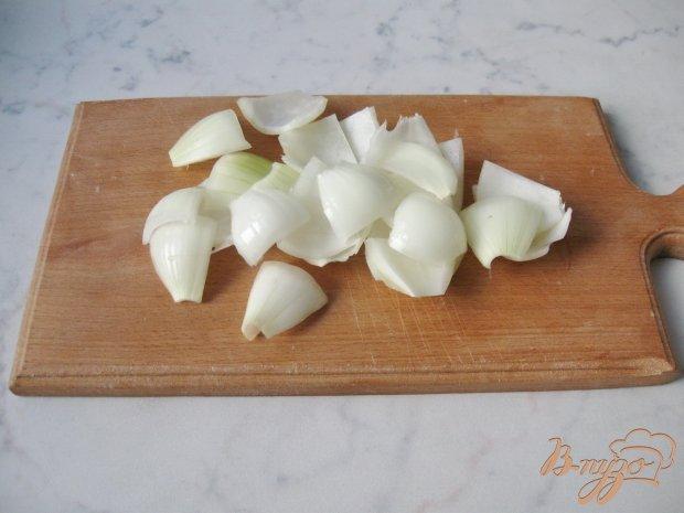 Картофель на шпажках, запеченный в фольге.