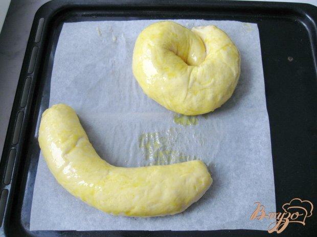 Сдобный пирог с яблоками и корицей