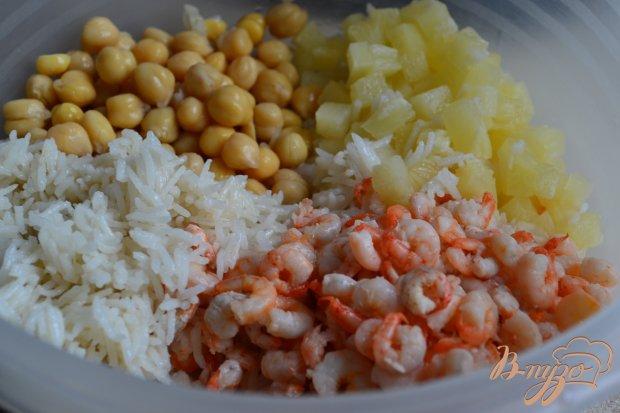 Рисовый салат с креветками