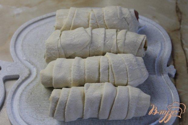 Слойка в кунжуте с соленой начинкой