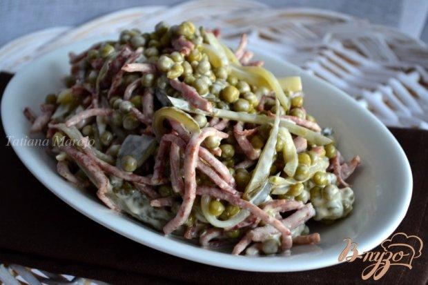 Салат с жареной ветчинной колбасой