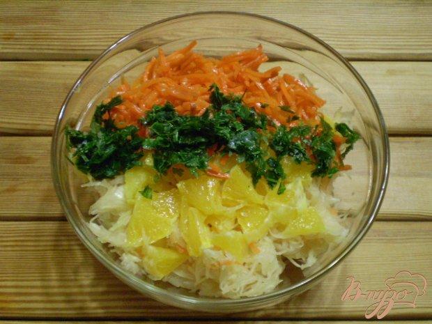 Салат из капусты, моркови и апельсина
