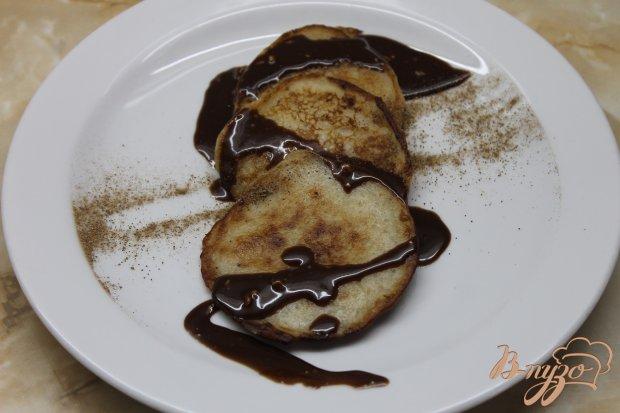 Банановые оладьи с топленным шоколадом