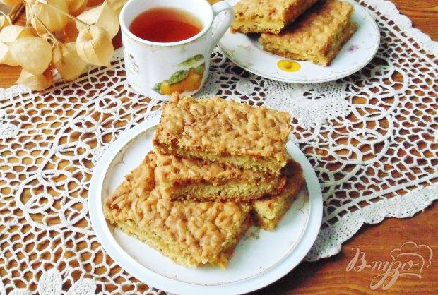 Тертый пирог с апельсиновым джемом и корицей