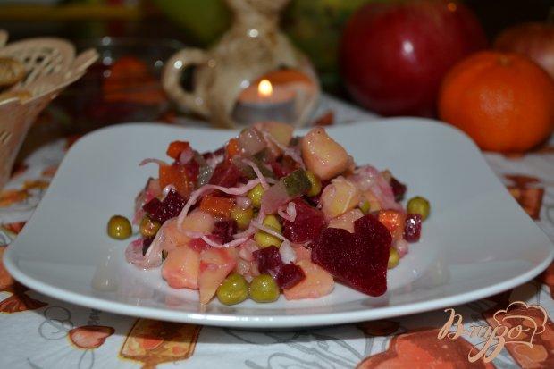 Салат Винегрет с зеленым горошком и кислой капустой