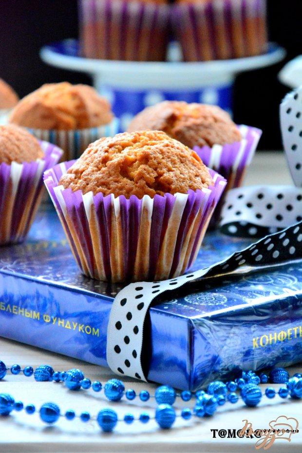 Кексы с печеньем и карамельным соусом