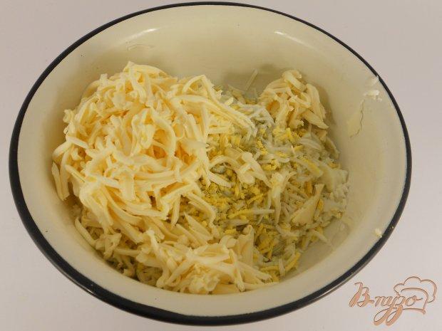 Гренки с яйцом и плавленным сыром