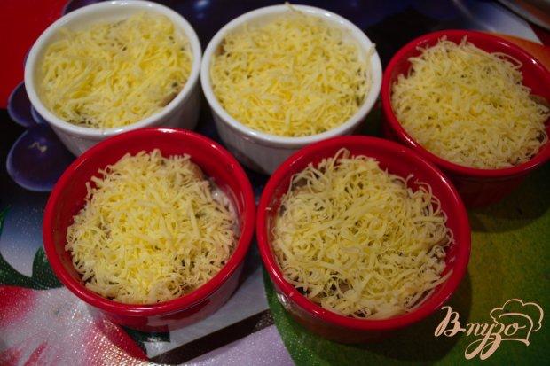 Шампиньончики со сливочной заливкой и сыром в духовке