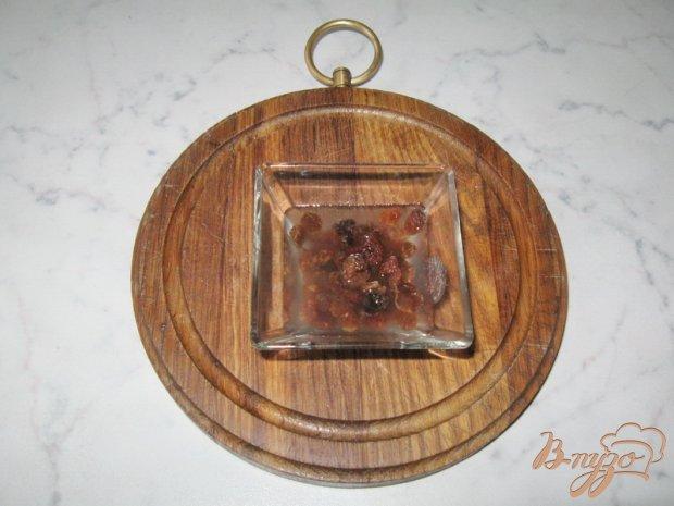 Рецепт Яблоки запеченные с орехом и изюмом.
