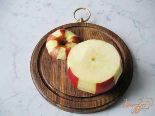 Яблоки запеченные с орехом и изюмом.
