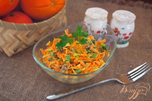 Морковный салат с тертым сыром