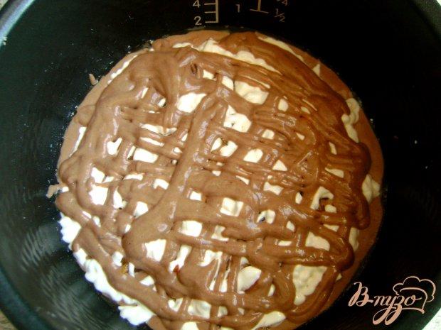 Шоколадно-творожный пирог с хурмой