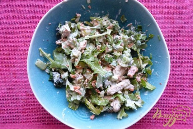 Салат из красной рыбы и сухариков