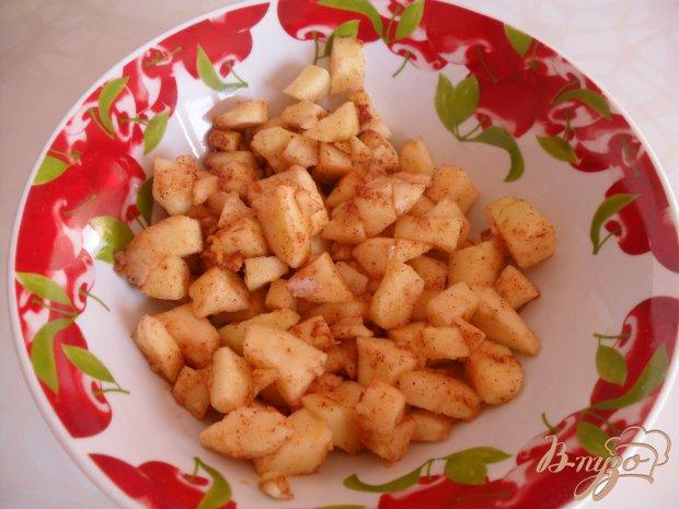 Блинчики с яблоками в карамели