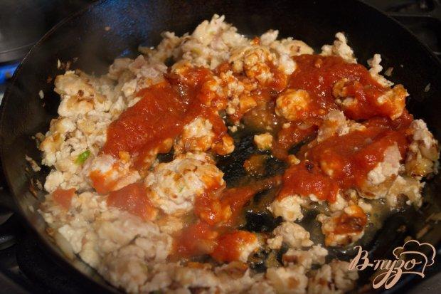 Паста (макароны) с фаршем из курицы с томатом