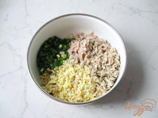 Рецепт Тонкие блинчики с отварной индейкой и зеленым луком