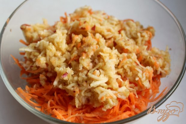 Салат с топинамбуром, сыром и морковкой