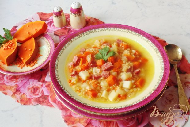 Суп с тыквой и красной чечевицей