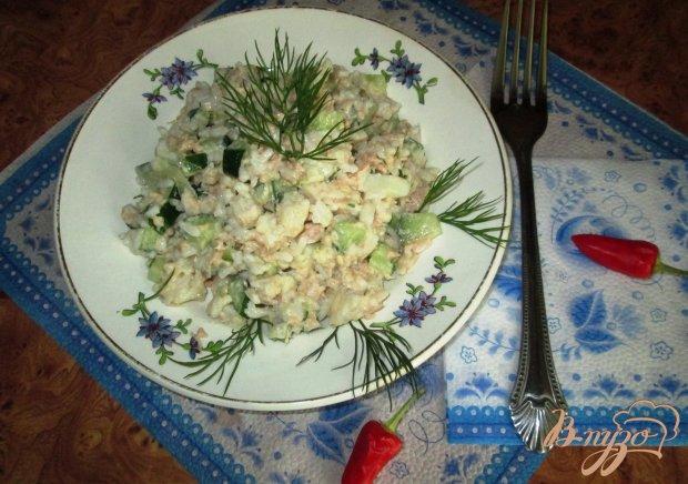 Рисовый салат с консервированным тунцом