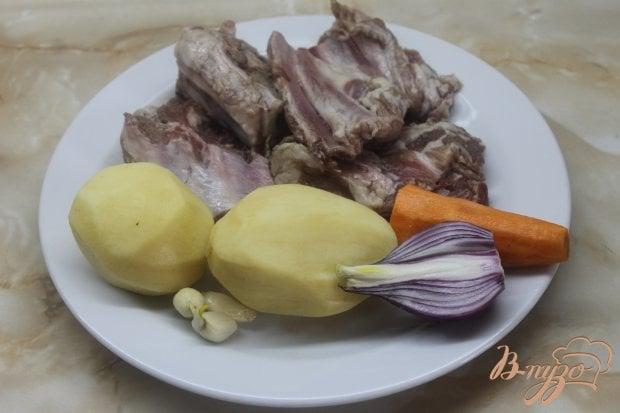 Запеченные свиные ребра с картофелью
