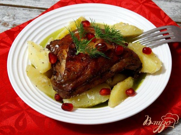 Курица в гранатовом маринаде с запеченным картофелем