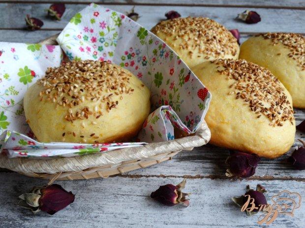 Тыквенные булочки с кунжутом