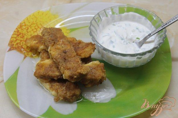 фото рецепта: Сырные палочки со сметанным соусом