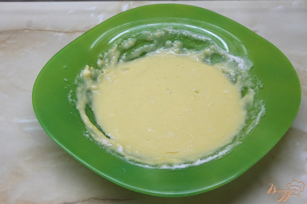 Фото приготовление рецепта: Сырные палочки со сметанным соусом шаг №3