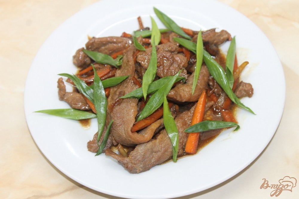 Фото приготовление рецепта: Курица с перцем чили и овощами в соусе Терияки шаг №6