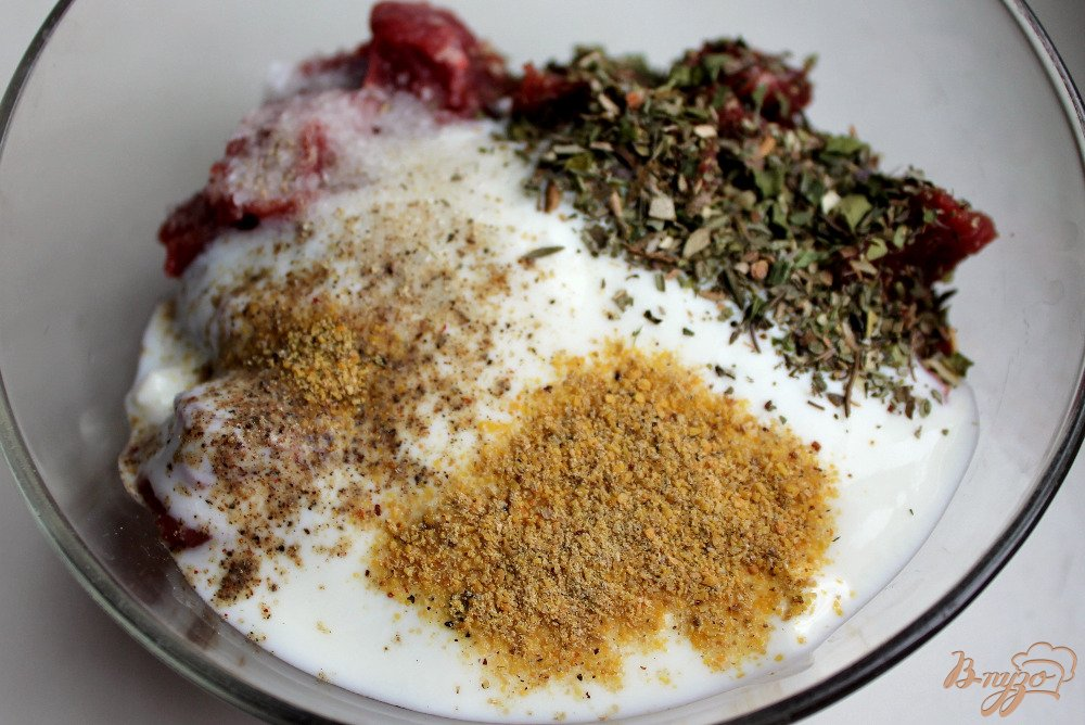 Фото приготовление рецепта: Говядина в горшочке шаг №2