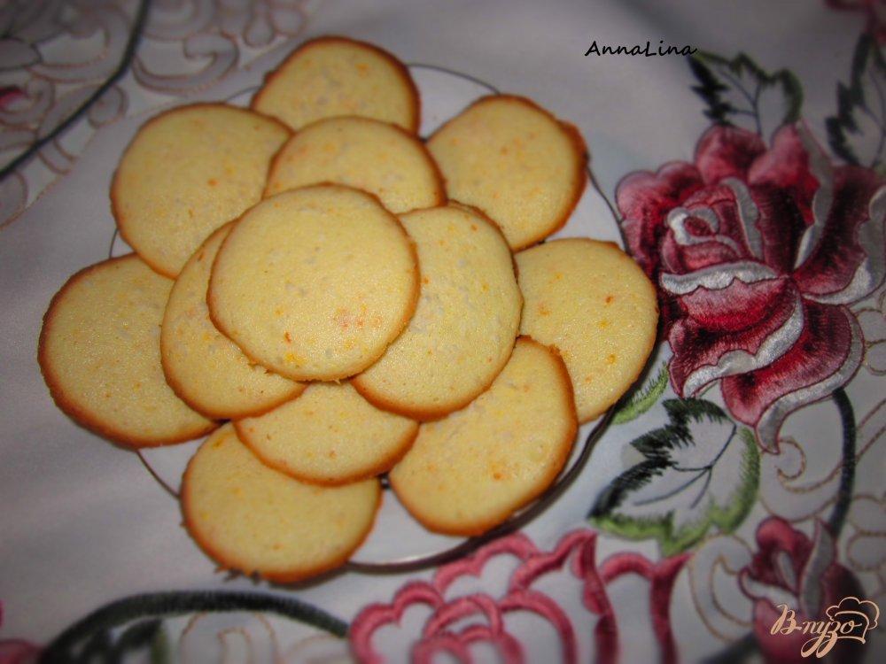 Фото приготовление рецепта: Пенье из белков с цедрой апельсина шаг №5