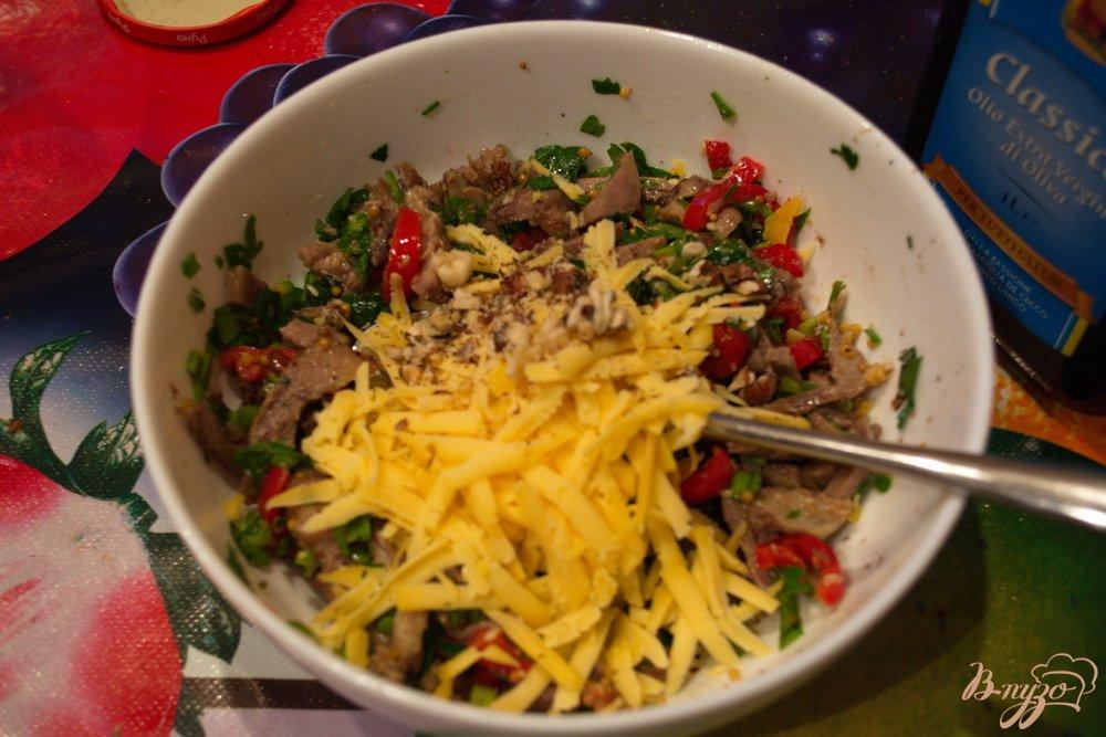 Фото приготовление рецепта: Нежный салат без майонеза шаг №4