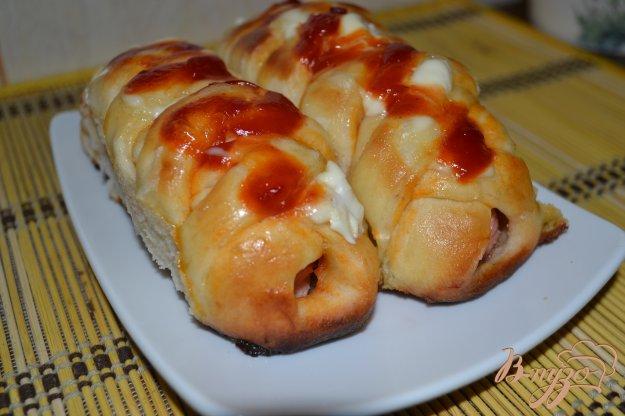фото рецепта: Сырные сосиски в тесте по Венски