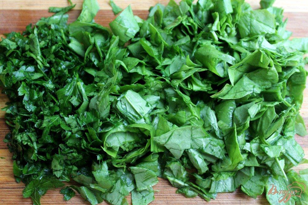 Фото приготовление рецепта: Салат со щавелем сыром и помело шаг №1
