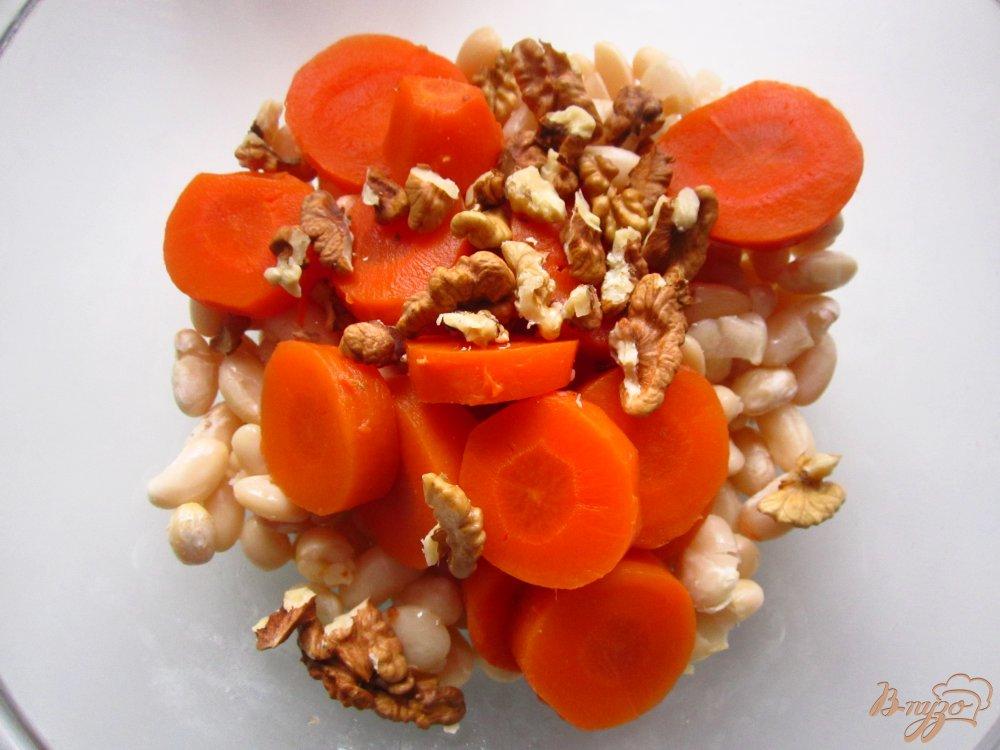 Фото приготовление рецепта: Шарики с фасоли и грецких орехов шаг №2