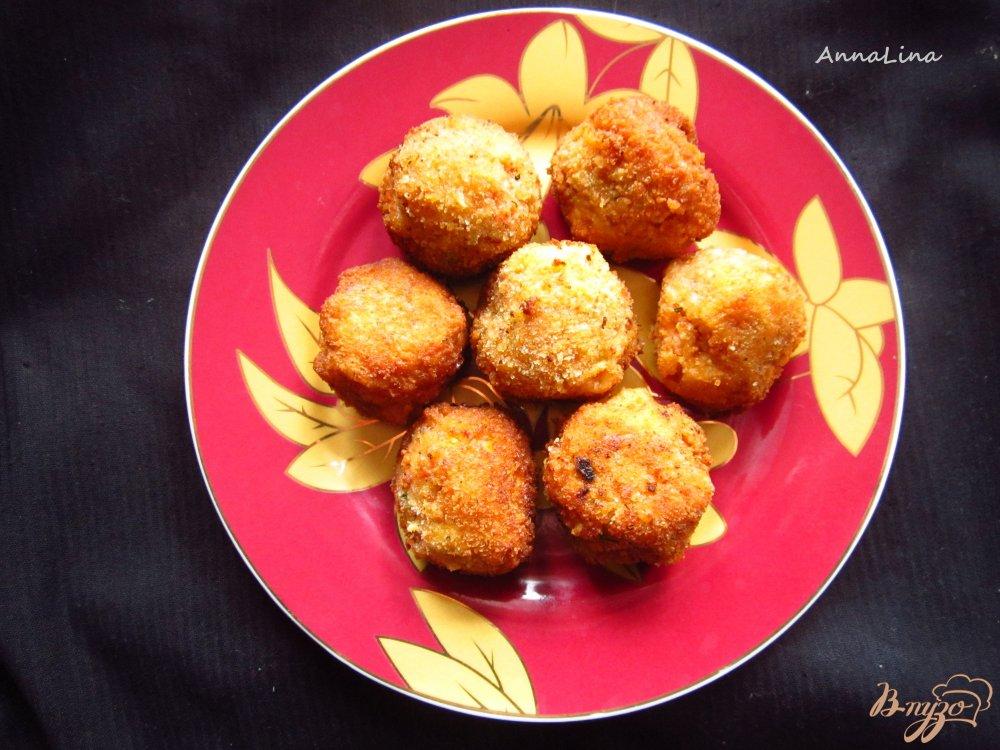 Фото приготовление рецепта: Шарики с фасоли и грецких орехов шаг №5