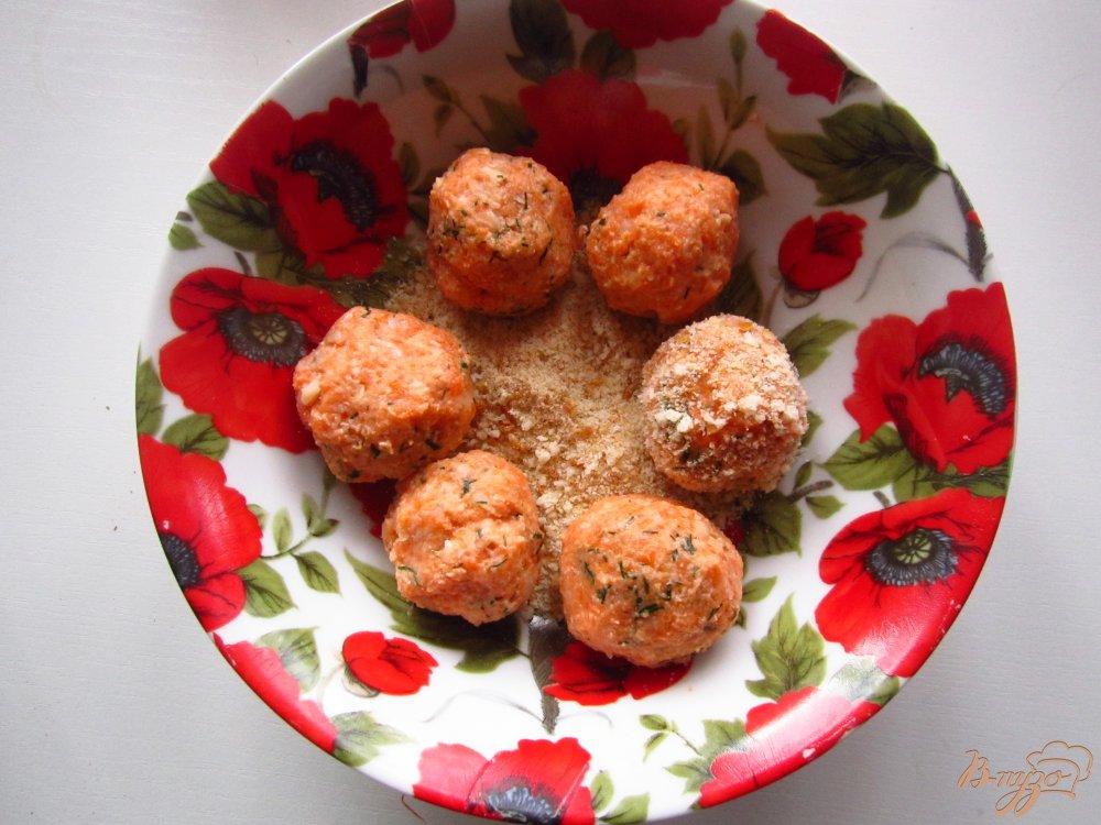 Фото приготовление рецепта: Шарики с фасоли и грецких орехов шаг №4