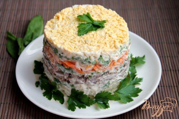 фото рецепта: Салат слоеный с говяжьей печенью