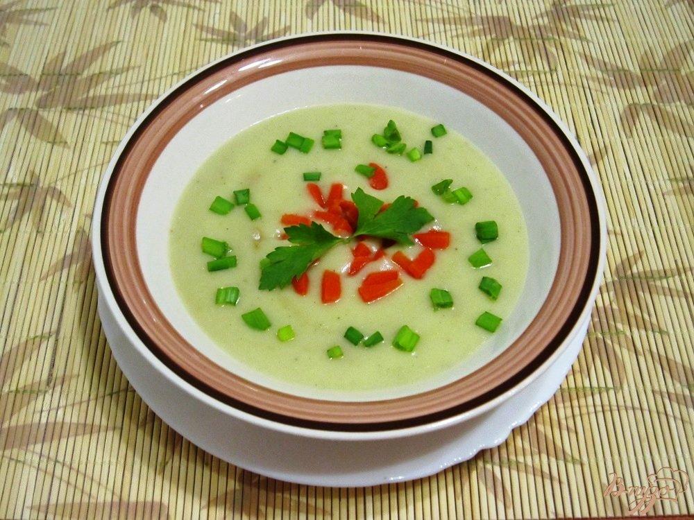 Фото приготовление рецепта: Суп-пюре с картофелем и сельдереем шаг №12