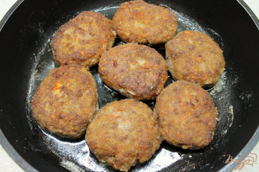 Фото приготовление рецепта: Котлеты с сыром шаг №6