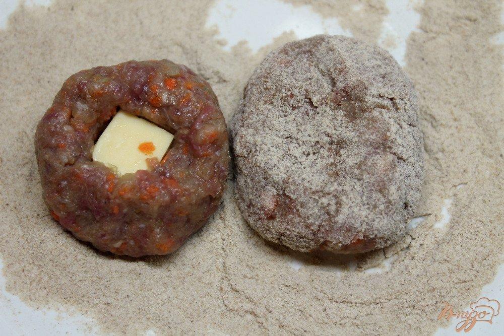Фото приготовление рецепта: Котлеты с сыром шаг №5